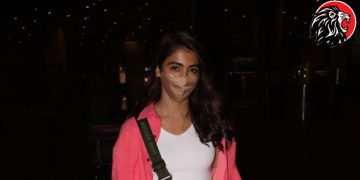 'Pooja Hegde' Spotted in Mumbai Airport